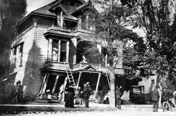 Effect of the earthquake on a typical frame house. The San Francisco earthquake occurred on the 18th April 1906, measuring 7.9 on the Richter scale. A violent shaking lasted for 45 seconds and could be felt from Southern Oregon to Southern Los Angeles