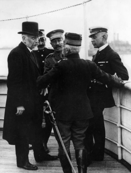 Eleftherios Venizelos (1864-1936), Greek politician, who served as Prime Minister 1910-1920 and 1928-1932. Seen here (left) on board the Hesperis at Salonika during the First World War, with General Panagiotis Danglis (1853-1924), Greek Minister for War
