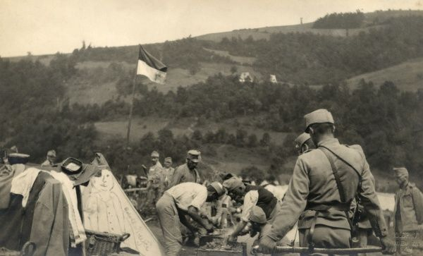An encampment of troops in Serbia during the First World War. Date: 1914-1918