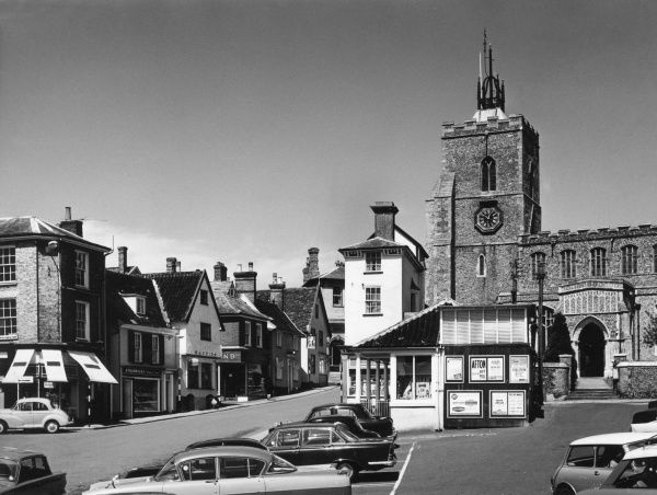 A glimpse of the fine old market town of Diss, Norfolk, situated in the valley of the River Waveney, with its 13th century church. Date: 1960s