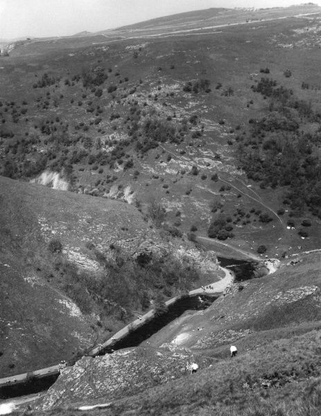 A dramatic view from Thorpe Cloud (900 feet high), looking down on the River Dove, Dovedale, Derbyshire, England. Date: early 1960s