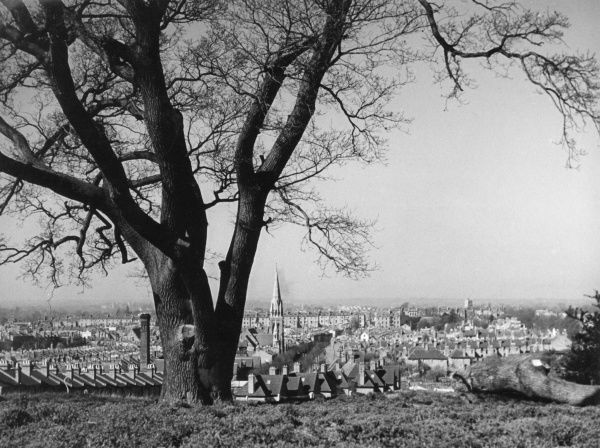 A fine view of Leamington Spa, from the Campion Hills, Warwickshire, England. Date: 1950s