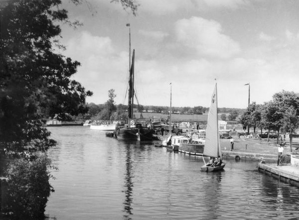 A scene on the River Waveney, near Beccles, Suffolk, England. Date: 1960s