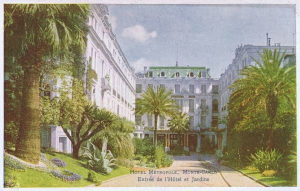 The entrance and gardens of the Hotel Metropole, Monte Carlo Date: 1920s
