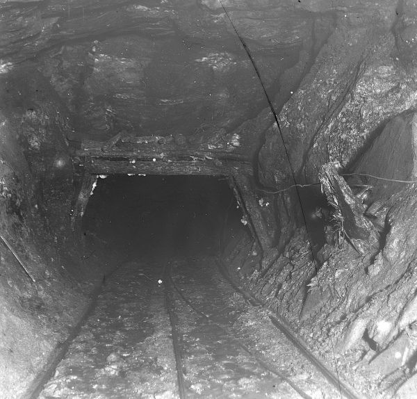 Evidence of side movement in a coal seam at Tirpentwys Colliery, near Pontypool in South Wales