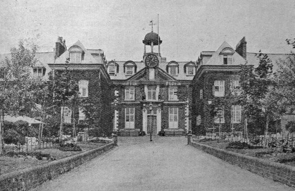 The frontage of the Exeter Incorporation workhouse erected in 1701at Heavitree, Exeter, and designed by Ralph Mitchell. The building was severely damaged by bombing in World War Two. Date: 1905