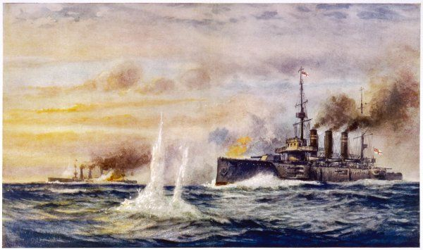 BATTLE OF THE FALKLAND ISLANDS The light cruiser 'Kent' sinks the German cruiser 'Nurnberg&#39