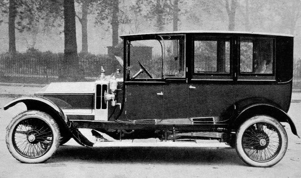 A photograph showing a Siddeley-Deasy with Connaught coach work