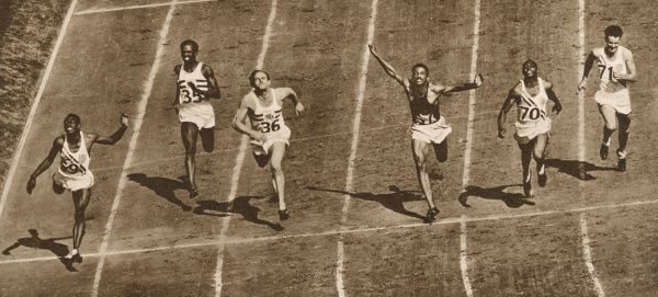 A photo finish of the 100 metres final. Left to right: Harrison Dillard (no. 69, USA) came first, E. Macdonald Bailey (no. 35) was last, McCorquodale (no. 36) came fourth, Lloyd Labeach (Panama) was third, Norwood Ewell (no. 70, USA) was second