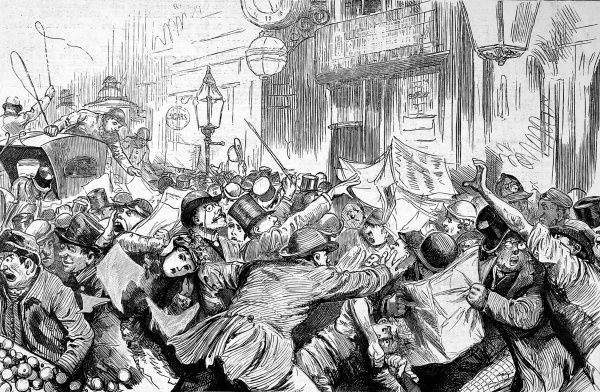 Fleet Street in election time showing the rush for newspapers as the new edition arrives off the printing presses