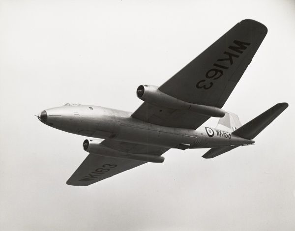 Flying testbed B2 Canberra WK163 fitted with a NSc D1-2 Double Scorpion rechargeable booster rocket Date: 1957