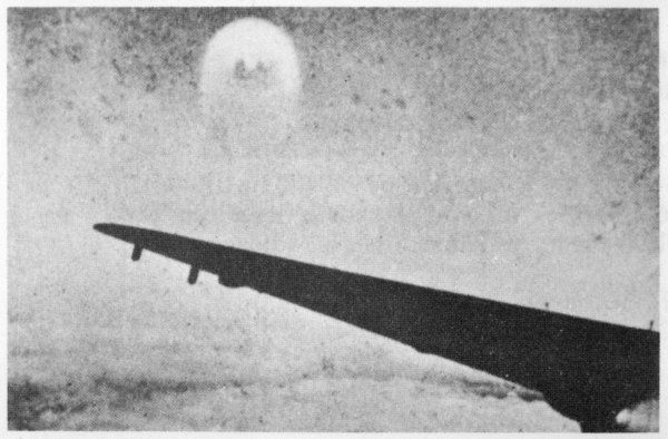 This photo is said to show a 'foo-fighter' observed by a German pilot in May 1945, near Karnten, Germany : there are grounds for suspecting a fake, however