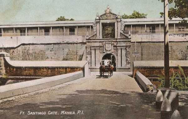 Fort Santiago Gate - a defense fortress built for Spanish conquistador, Miguel Lopez de Legazpi. The fort is part of the structures of the walled city of Intramuros, Manila, Philippines. Date: circa 1910s
