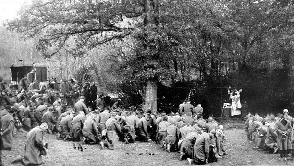 The French army celebrating Mass at the front