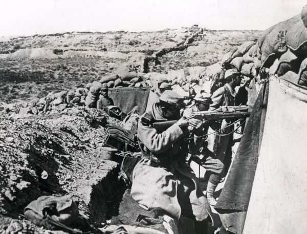 A French trench facing Turkish positions during the First World War. Date: 1914-1918