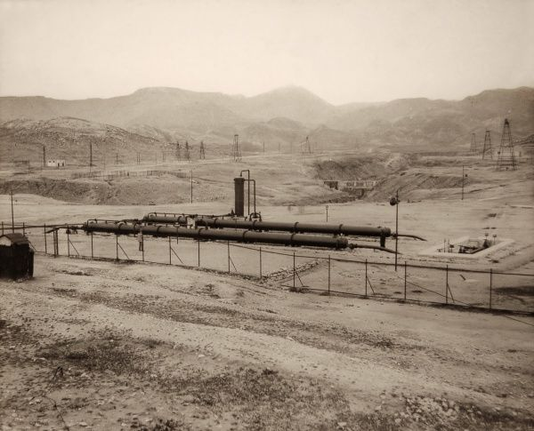 Gas Separators - Middle Eastern Oil Field Date: circa 1925