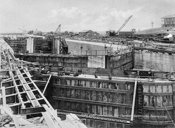 Gates under construction, East chamber, Gatun locks, Panama Canal