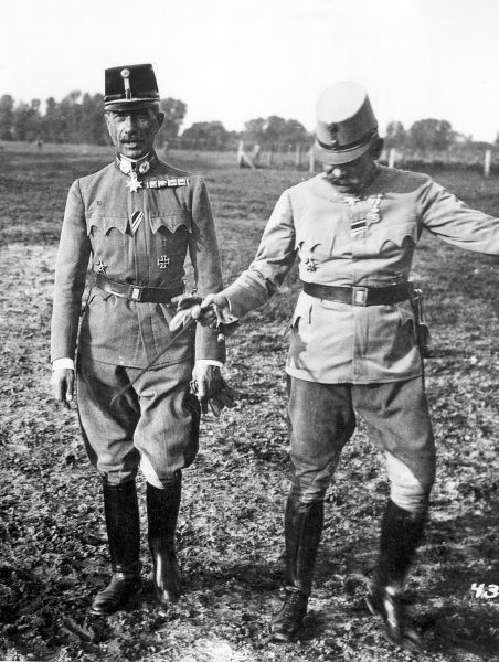 Austrian army commander, General Eduard von B�Ermolli (1856 - 1941), (on left) photographed during the fighting around Czernowitz (Bukovina - a region currently divided between Romania and Ukraine) in World War One which was captured