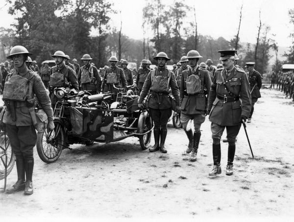 General Henry Sinclair Horne (1861-1929) of the British First Army inspecting the 24th Motor Machine Gun Batallion at Dieval, in northern France, towards the end of the First World War. Date: June 1918