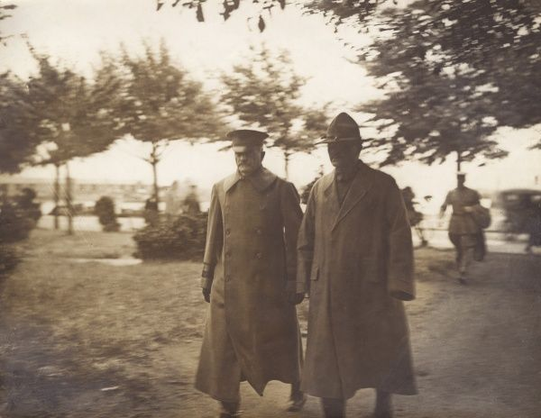"General John Joseph ""Black Jack"" Pershing (1860-1948), American army officer who led the American Expeditionary Forces during the First World War. Seen here (left) with another officer, probably in France. Date: circa 1917-1918"