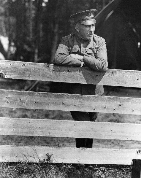 General Leonard Wood (1860-1927), American army officer, at Plattsburgh Barracks, New York State, USA, a military training camp for businessmen. Date: circa 1917