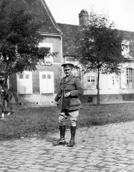 General Sir Hubert de la Poer Gough (1870-1963), senior British Army officer, at Messines (Mesen), Flanders, Belgium, during the First World War. He commanded the British Fifth Army from 1916 to 1918. Date: 1914