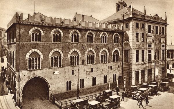 Genoa, Italy - Caricamento Square - St George's Palace Date: circa 1920s