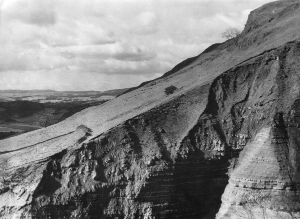 A geological 'fault' in Campsie Glen, Stirlingshire, Scotland. Date: 1950s