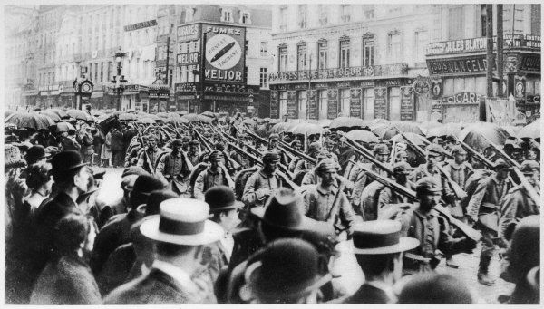 The German army enters Brussels in the rain