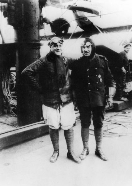 Two German pilots in relaxed mood during the First World War. Date: 1914-1918
