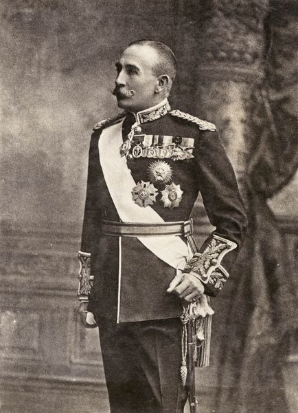 Gilbert John Elliot-Murray-Kynynmound, 4th Earl of Minto (1845-1914), Viscount Melgund between 1859 and 1891, British politician, Governor General of Canada (1898-1904), and Viceroy of India (1905-1910). Seen here in full dress uniform