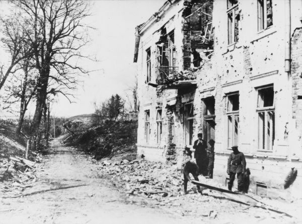 A shell-damaged house in the Gorlice area, damaged during the German advance in May 1915