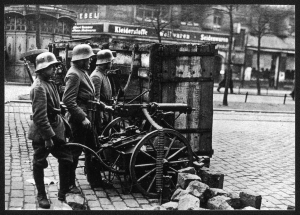Government troops in Frankfurterstrasse, Berlin. The new Weimar Goverment had to defend itself from anti-parliamentaries from the far left and right