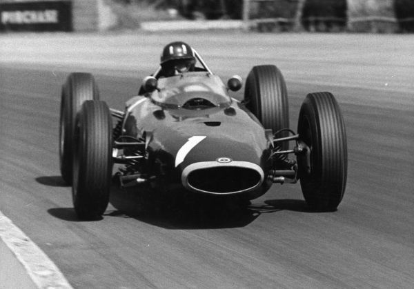 Graham Hill, world champion in 1962, driving a BRM 1963 ?