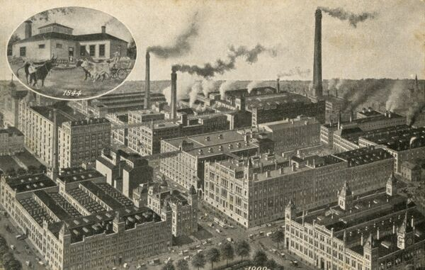 Great Pabst Brewery - Milwaukee, Wisconsin. The inset image is the brewery in 1844 - quite different from the main factory seen in 1909! Date: 1909