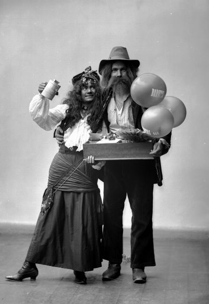 Gypsies. Posed actors for a charity event, 1906. Date: 1906