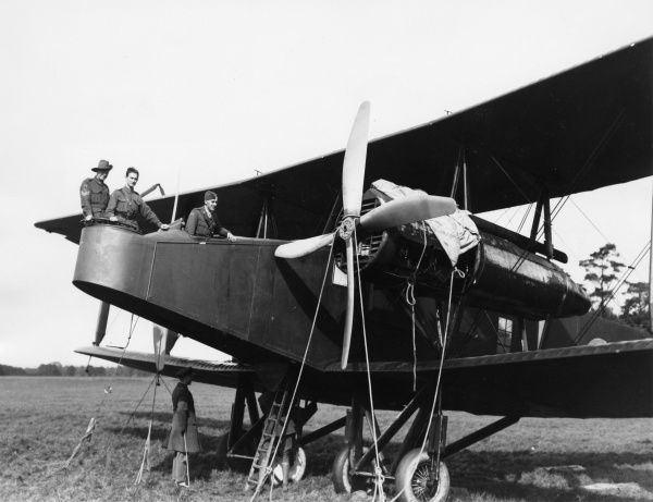 A Handley Page aeroplane at the AFC (Australian Flying Corps) Training Depot, Halton Camp, Wendover, UK, with crew, during the First World War. Date: 1914-1918