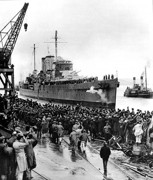 Photograph showing the arrival of the Royal Navy cruiser HMS 'Exeter' at Plymouth Docks, February 1940
