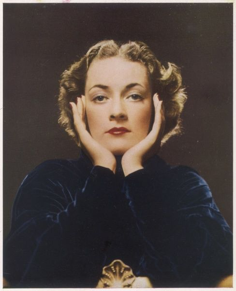 The Hon. Alicia Browne, later Alicia Edmonstone (1909 - 1992), only daughter of Lord and Lady Kilmaine. Seventh in a series of 'Bystander Beauties' photographed in colour especially for The Bystander by John Everard