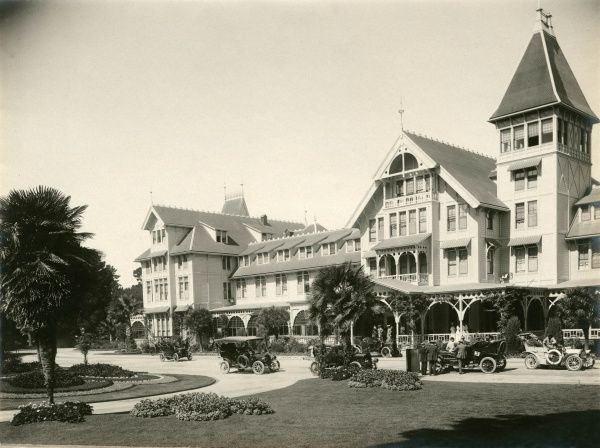 Hotel del Monte, California, destroyed by fire on September 28th 1924