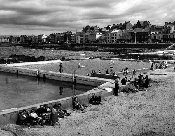 Portstewart, County Derry, one of Northern Ireland's major seaside holiday resorts. Date: 1950s