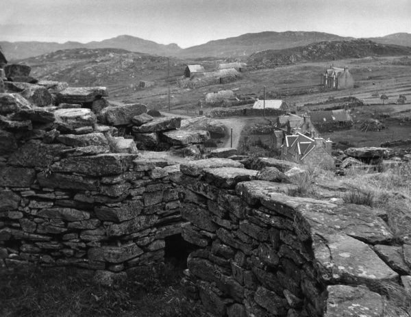 Well-preserved examples of Iron Age houses, at broch of Dun Carloway, Isle of Lewis, Outer Hebrides, Scotland. Date: 1st Century BC