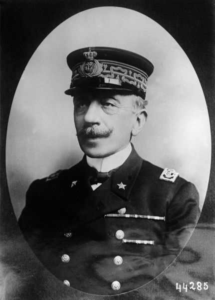 An unidentified Italian Admiral and Naval Minister, at the time of the First World War. Date: 1914-1918