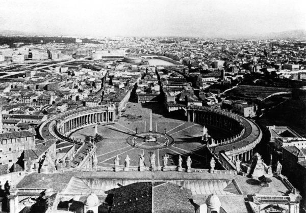 A pope's-eye view of the city, from St Peter's. Date: early 20th century