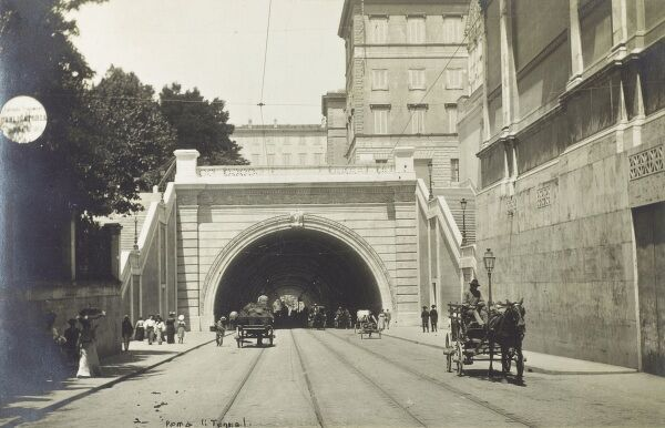 Road tunnel in the centre of Rome, Italy Date: circa 1910