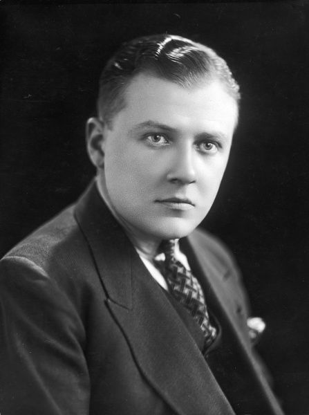 John Wesley Vivian Payne (1899 - 1969), British dance band leader whose band played at the Hotel Cecil in London during the 1920s and later for the BBC