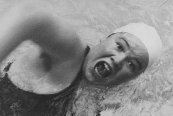 Danish swimmer JENNY KAMMERSGAARD in action. Date: 1930s