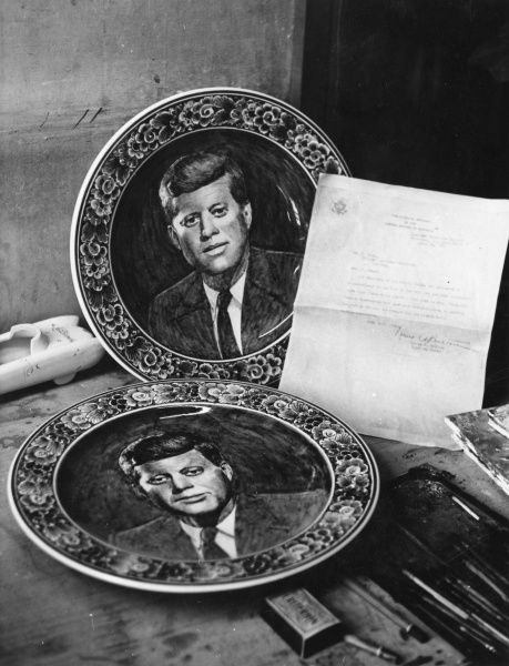 A Delft china plate depicting American president, John F. Kennedy