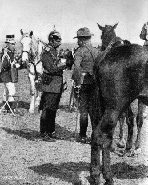 Kaiser Wilhelm II (1859-1941), German Emperor, talking to the American General Leonard Wood (1860-1927) during German army manoeuvres which took place in Germany before the outbreak of the First World War. Date: early 20th century