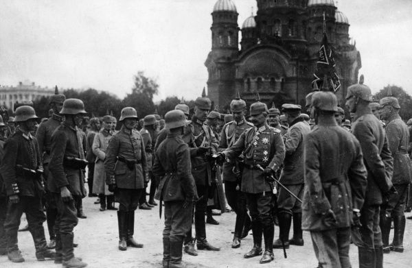 Kaiser Wilhelm II (1859-1941), German Emperor, presenting Iron Crosses to troops in Warsaw, Poland, soon after the city was captured by the Austro-German Army during the First World War. Date: September 1915